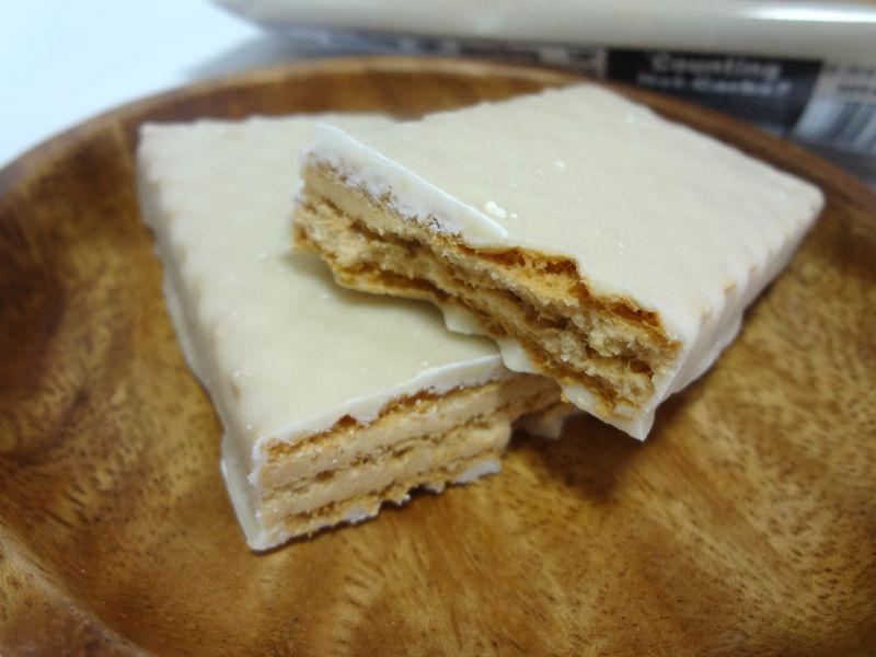 ウェハース クリスプ ピーナッツバターの中身