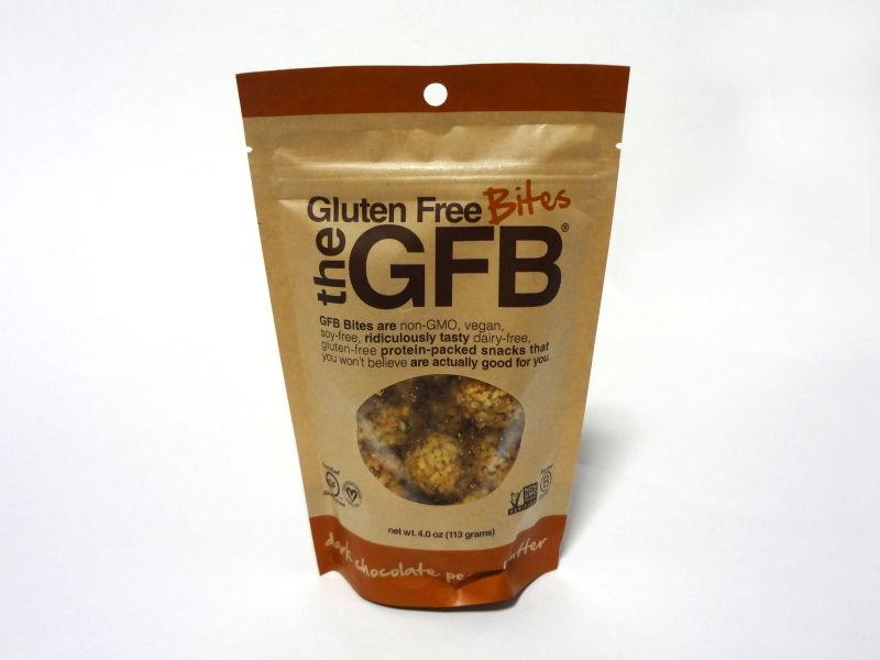 The GFB グルテンフリーバイツ ダークチョコレート ピーナッツバターのパッケージ
